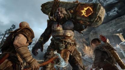 Кузнецы из Man At Arms выковали топор Кратоса из God of War